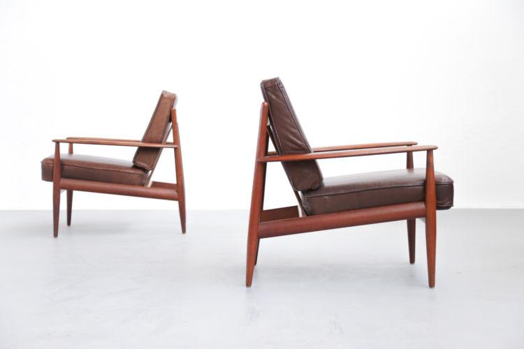 Paire de fauteuil Grete Jalk scandinave danoise teck