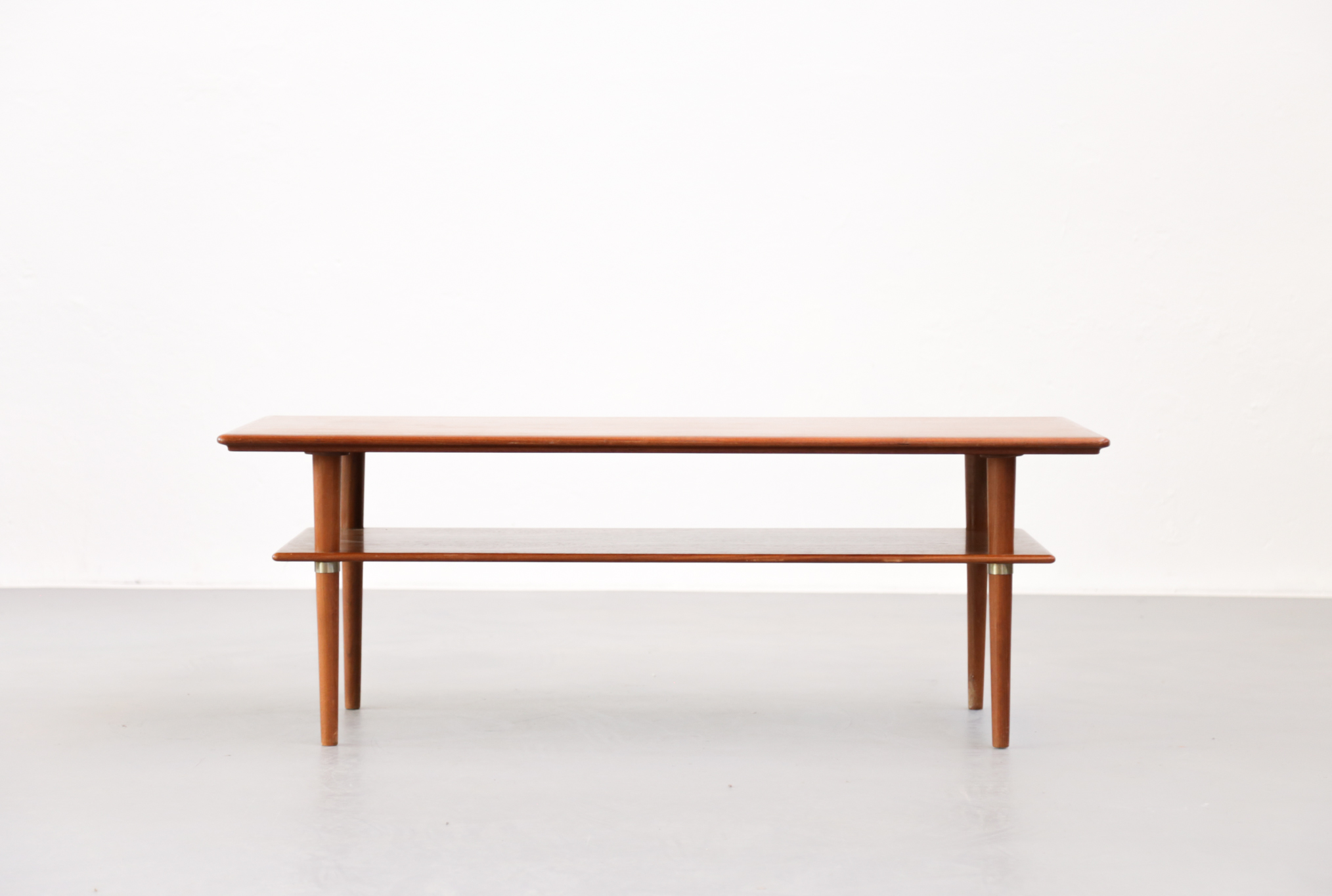 Table basse scandinave en teck elsteds mobelfabrik danke - Table basse design scandinave ...