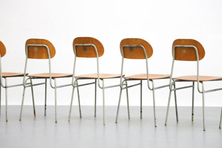 set de 10 chaises de collectivité tchèque années 60