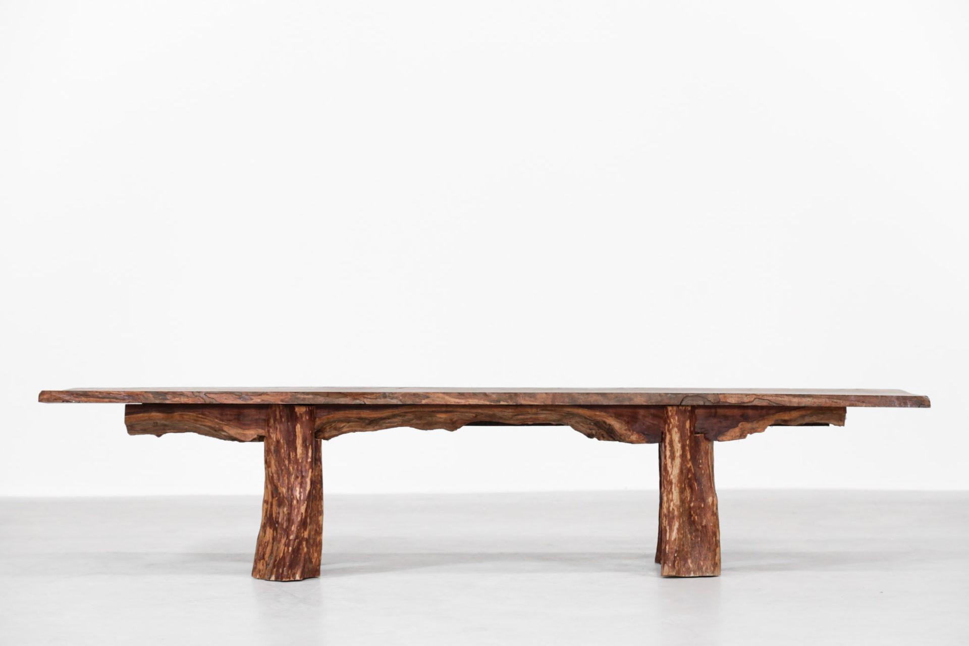grand banc table basse brutaliste design 1
