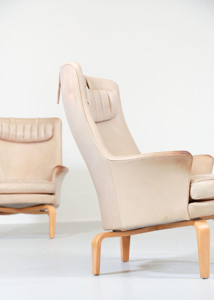 paire de fauteuil arne norell cuir beige suedois7paire de fauteuil arne norell cuir beige suedois7