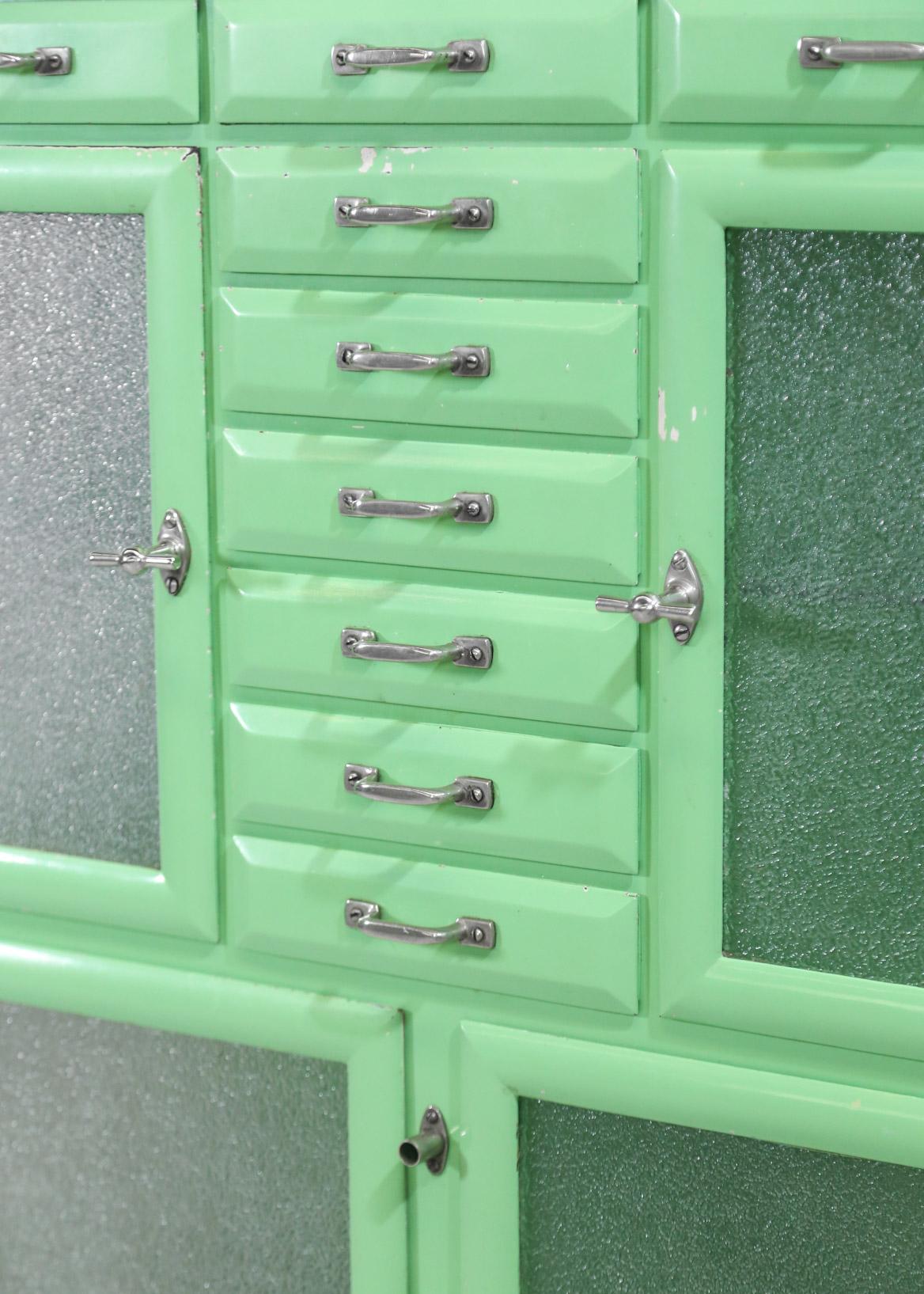 meuble de dentiste ann es 50 cabinet danke galerie. Black Bedroom Furniture Sets. Home Design Ideas