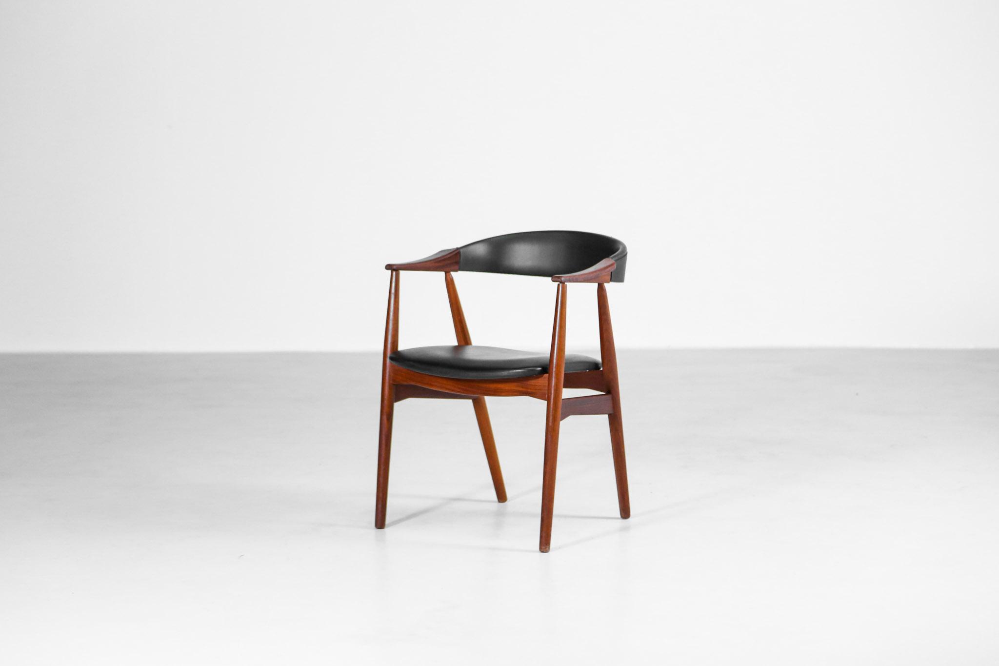 fauteuil danois t h harlev pour farstrup vintage scandinave teck danke galerie. Black Bedroom Furniture Sets. Home Design Ideas
