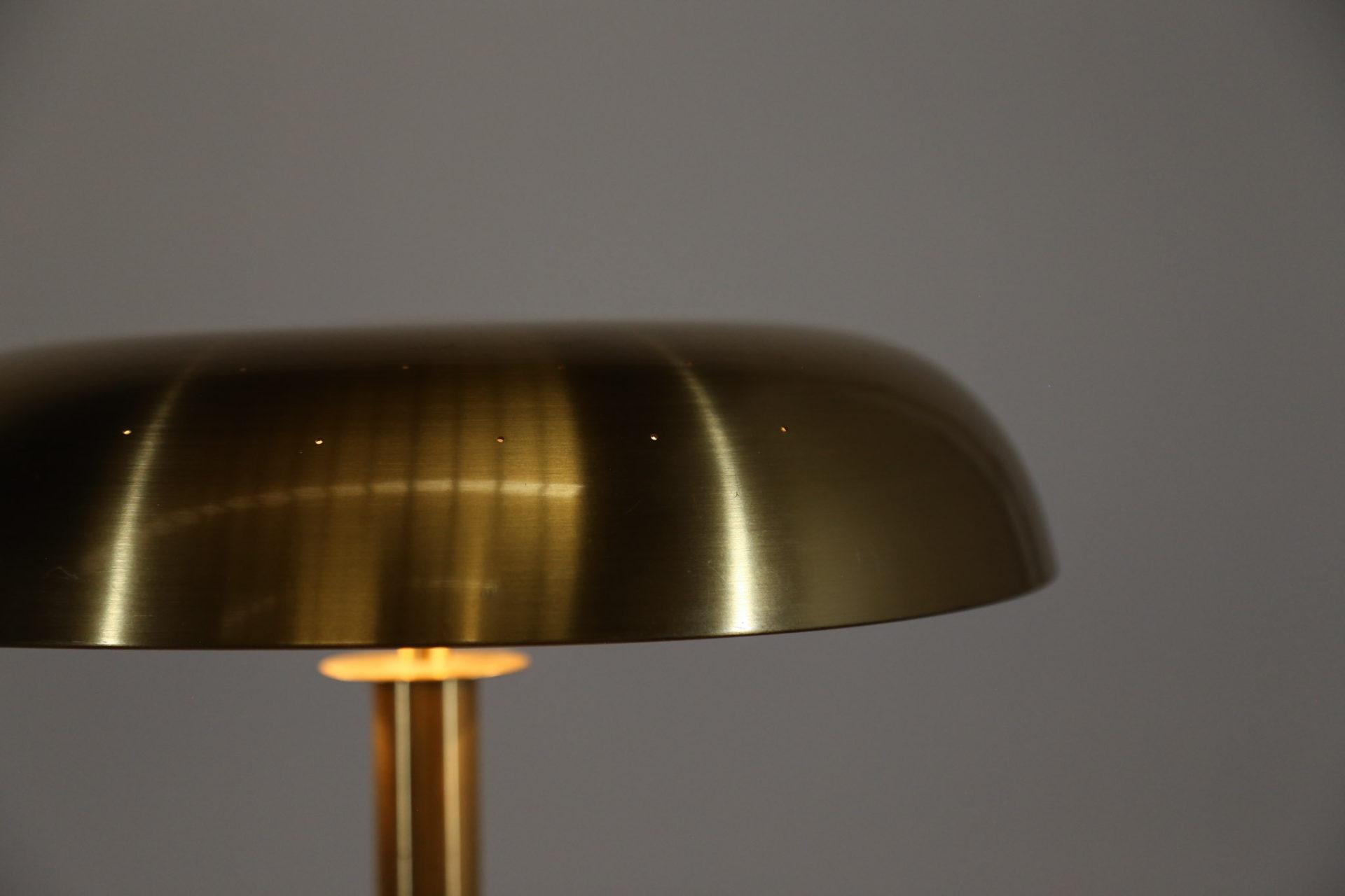 lampe de bureau Bertil Brisborg suedois scandinave paavo tynell