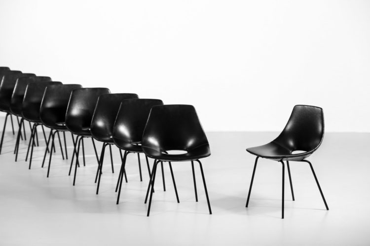 16 chaises tonneau pierre guariche steiner chair39