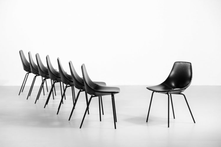 16 chaises tonneau pierre guariche steiner chair39