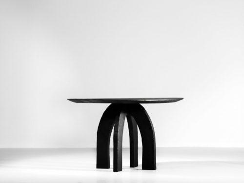 Table à manger vincent vincent danke galerie chaise ebeniste bois brulé