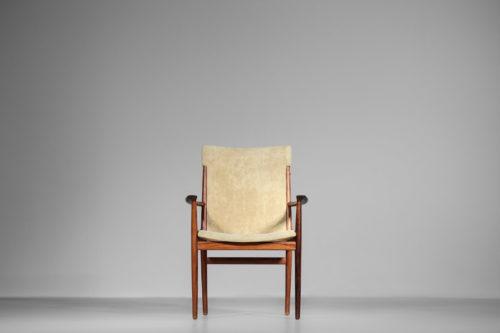 fauteuil kai lyngfeldt larsen chaise danoise scandinave des années 60 tissus blanc2