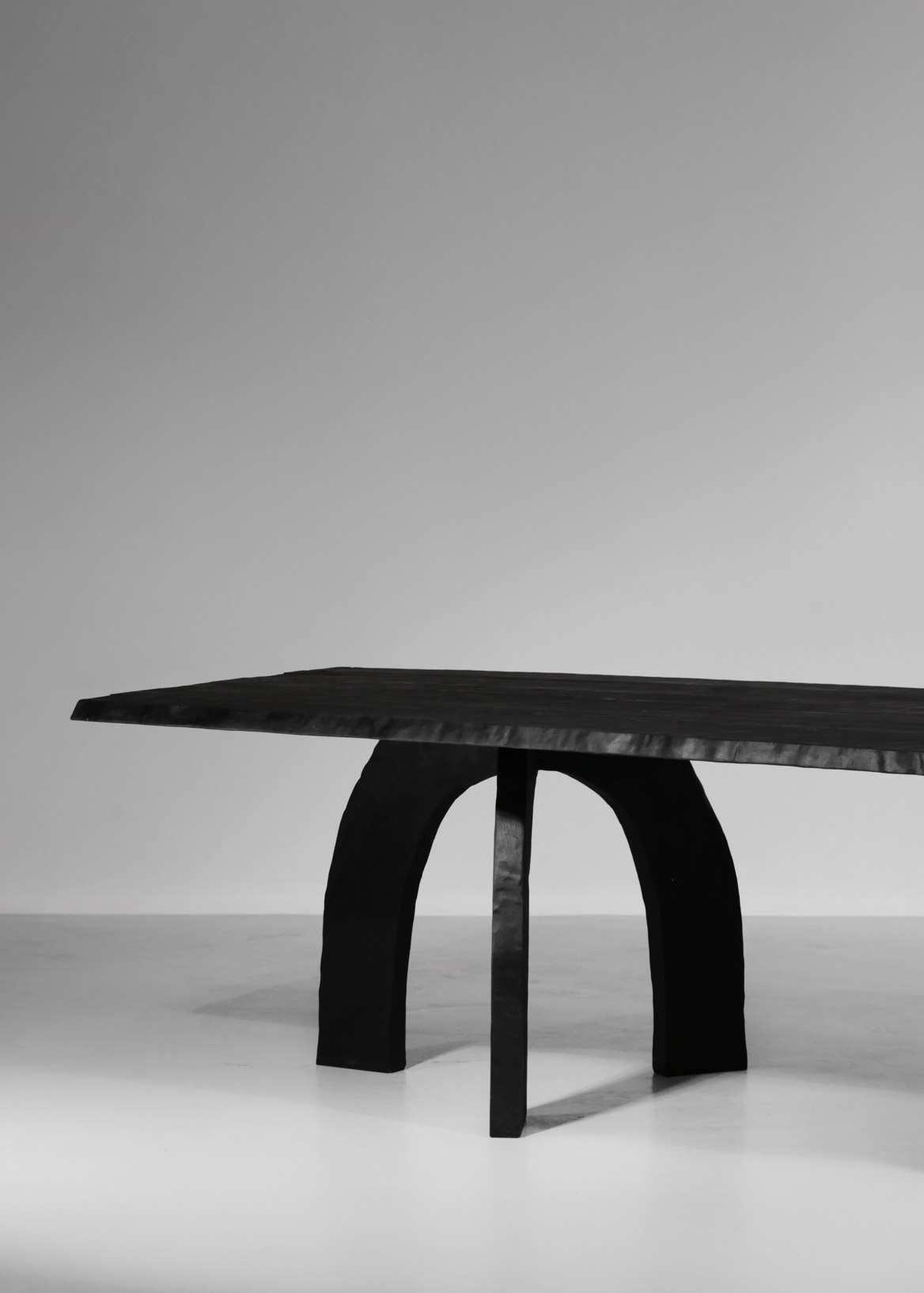 grande table à manger vincent vincent bois brulé design 41