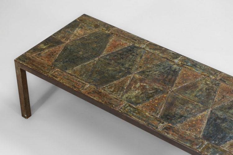 grande table basse brutaliste en pierre de lave emaillé3