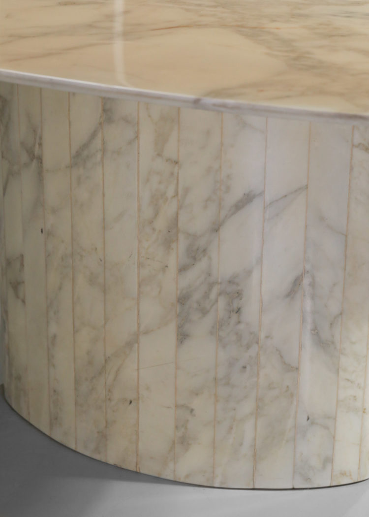 table à manger ovale des années 60 en marbre blanc de carrare