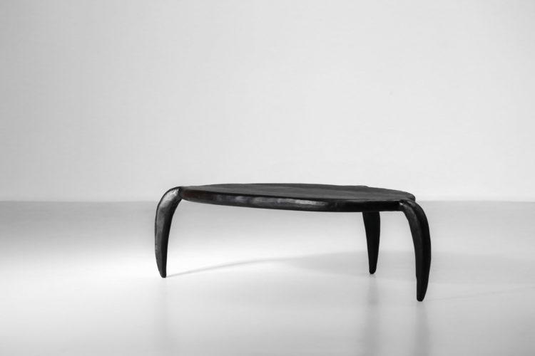 table basse par vincent vincent alien bois brulé ebeniste17