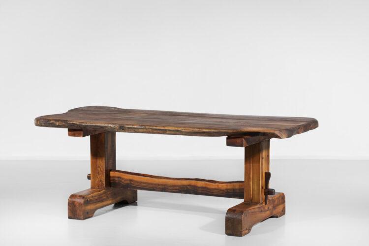 table à manger et bans en olivier massif design années 60 brutaliste E127