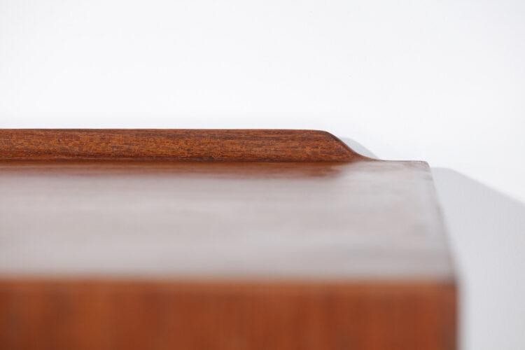 enfilade scandinave suspendue arne vodder en teck tiroir coloré sibast danois E515
