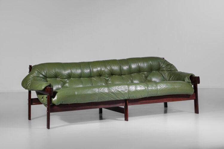 grande canapé bresilien percival lafer 3 places cuir kaki années 60 E321