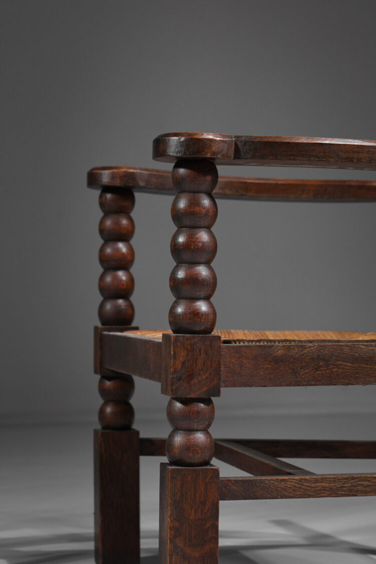 paire de fauteuil regionaliste vintage paillé années 60 F105