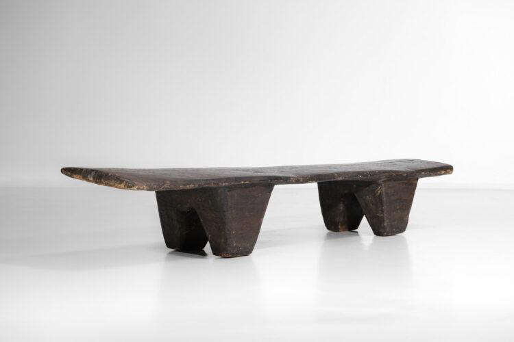 banc africain asymetrique en bois foncé années 60