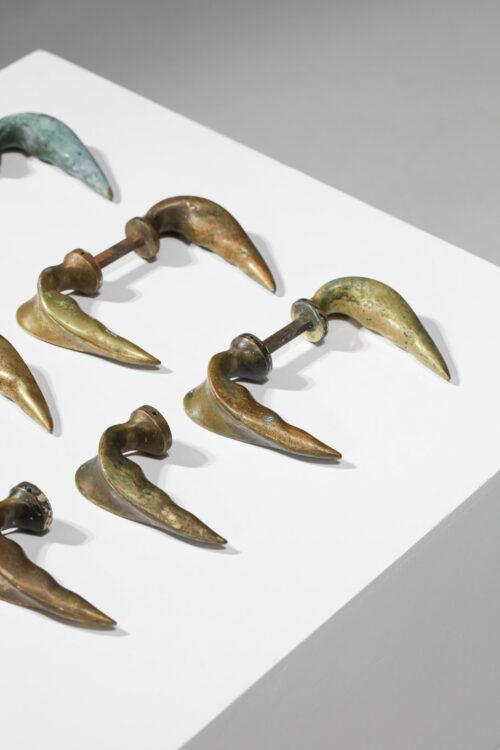 suite de 12 poignées de porte en bronze italienne années 50 D413