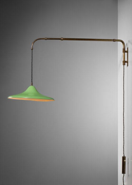 Lampe potence italienne style Aredeluce vert amande métal  années 60