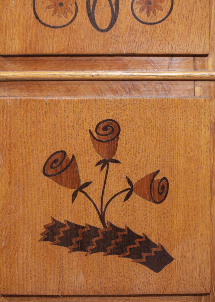 Meuble italien marqueterie décor floral