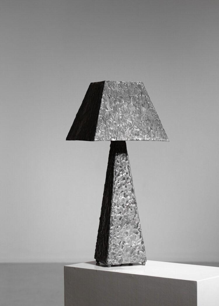 lampe artisanale en zinc brutaliste F016